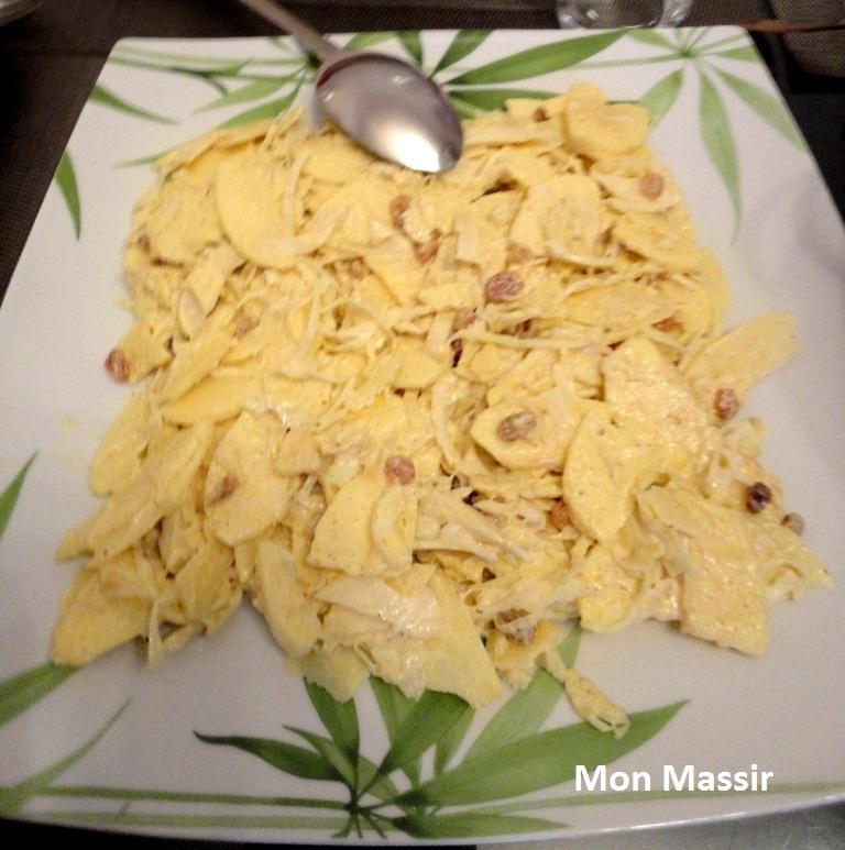 Salade de chou blanc, pommes et raisins secs